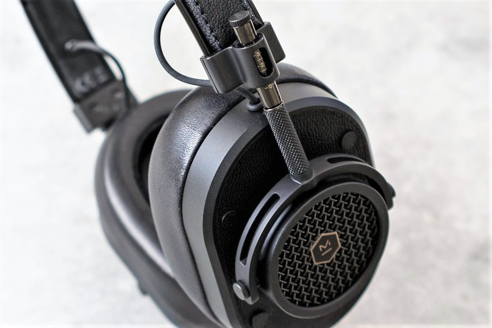 master and dynamic mh40 review
