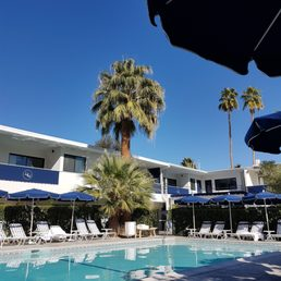 holiday house palm springs reviews