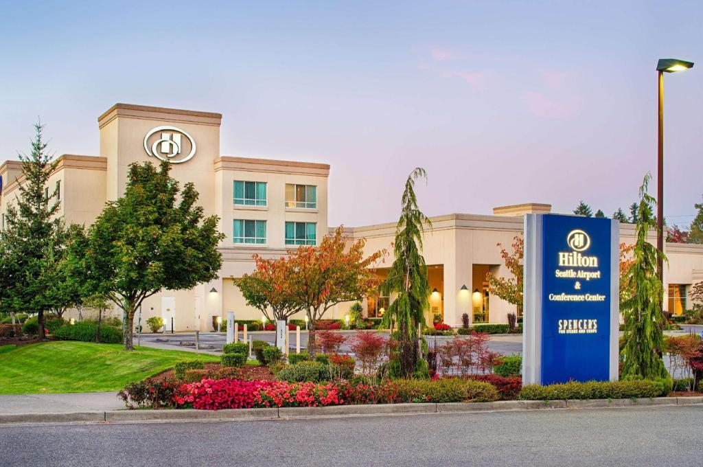 seatac inn and airport parking reviews